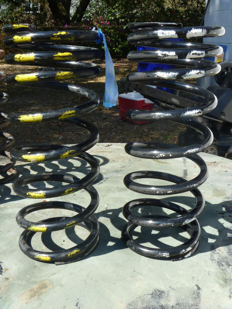 Click image for larger version  Name:110 front springs 2.jpg Views:44 Size:135.3 KB ID:68241