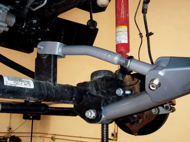Click image for larger version  Name:129_0802_12_z+2007_jeep_wrangler_rubicon+front_arms_front_axle.jpg Views:1935 Size:67.2 KB ID:63769