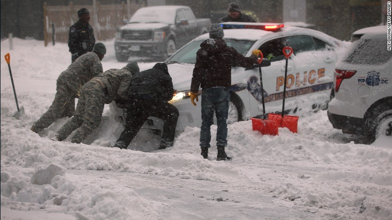 Click image for larger version  Name:160123085740-02-snow-storm-0123-exlarge-169.jpg Views:115 Size:94.9 KB ID:140139