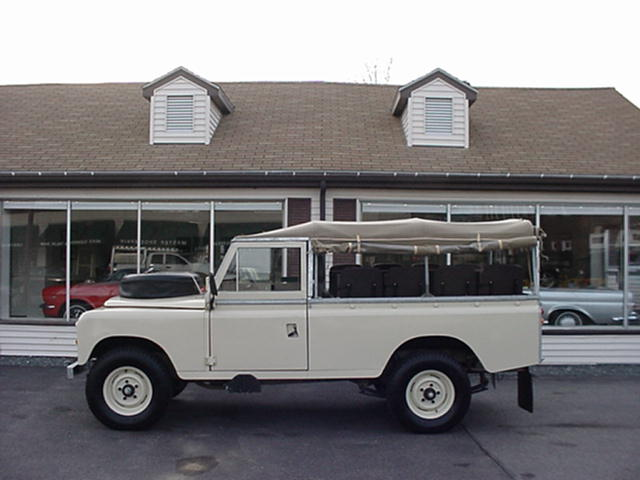 Click image for larger version  Name:1974 Land Rover 109 - sandy.jpg Views:116 Size:40.0 KB ID:16784
