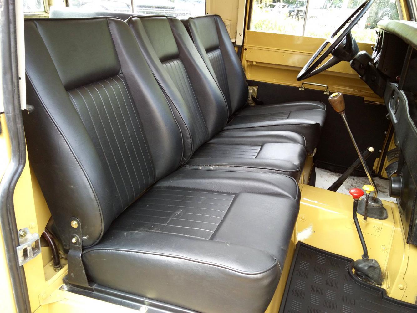 Click image for larger version  Name:1978 LR LHD Santana 88 Hardtop A Mustard Yellow front seats.jpg Views:49 Size:161.5 KB ID:296601