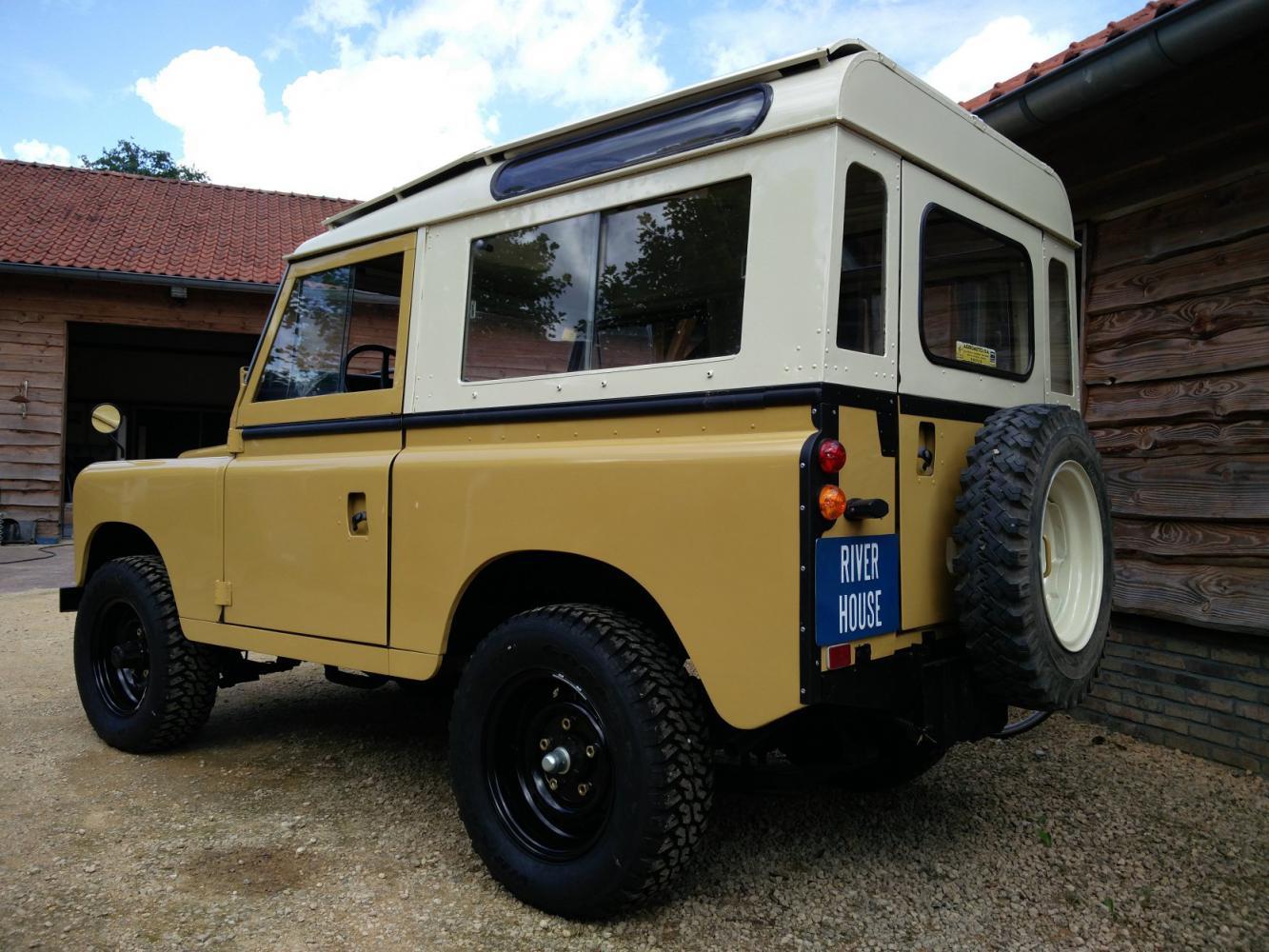 Click image for larger version  Name:1978 LR LHD Santana 88 Hardtop A Mustard Yellow left rear.jpg Views:159 Size:173.2 KB ID:289905