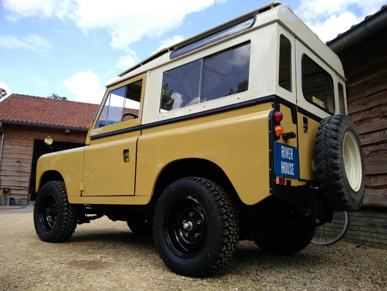 Click image for larger version  Name:1978 LR LHD Santana 88 Hardtop A Mustard Yellow left rear low.jpg Views:167 Size:174.4 KB ID:289889