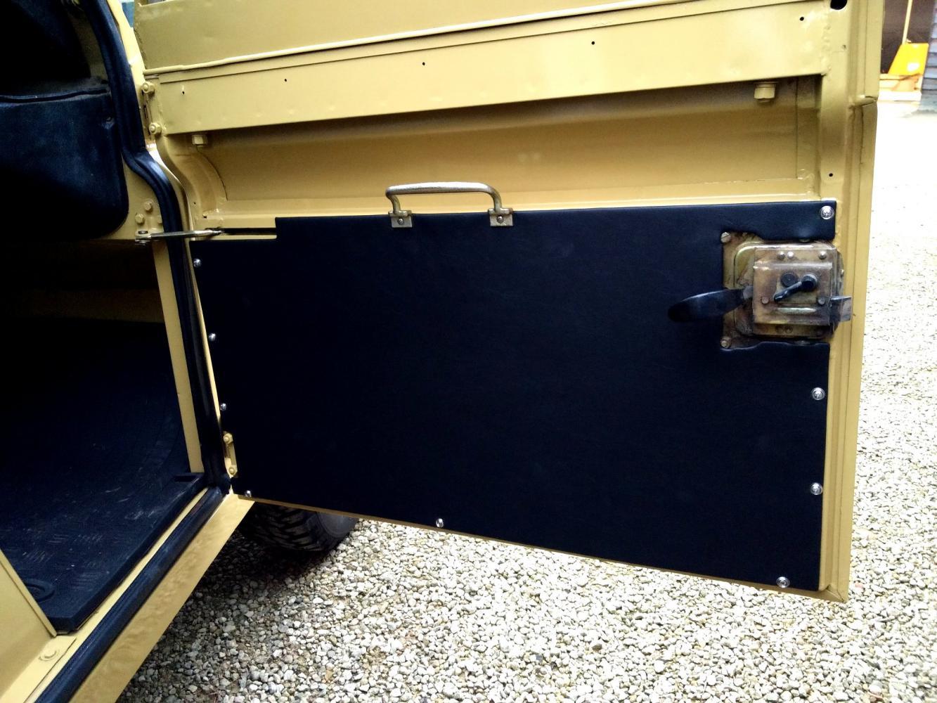 Click image for larger version  Name:1978 LR LHD Santana 88 Hardtop A Mustard Yellow new front door trims.jpg Views:147 Size:178.5 KB ID:289929