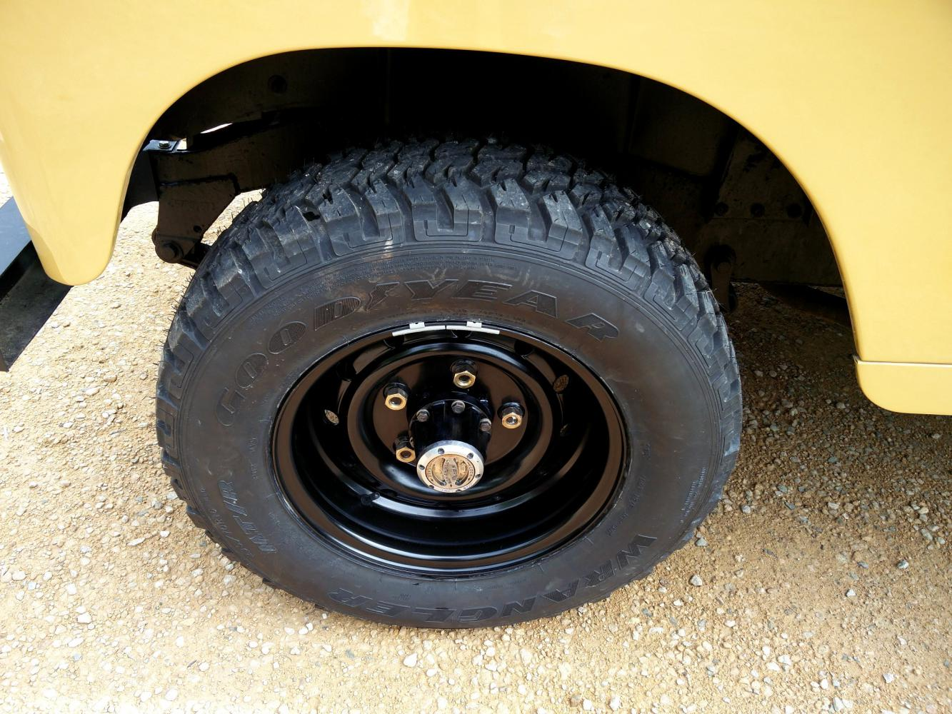 Click image for larger version  Name:1978 LR LHD Santana 88 Hardtop A Mustard Yellow  new rims with tyres.jpg Views:50 Size:215.1 KB ID:296609