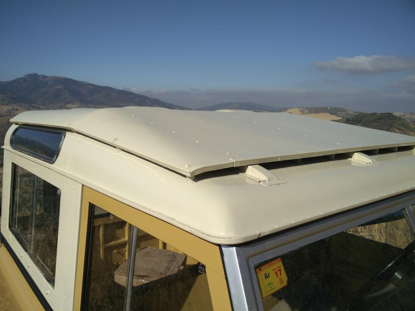 Click image for larger version  Name:1978 LR LHD Santana 88 Hardtop Mustard Yellow safari roof outside.jpg Views:137 Size:95.2 KB ID:289961