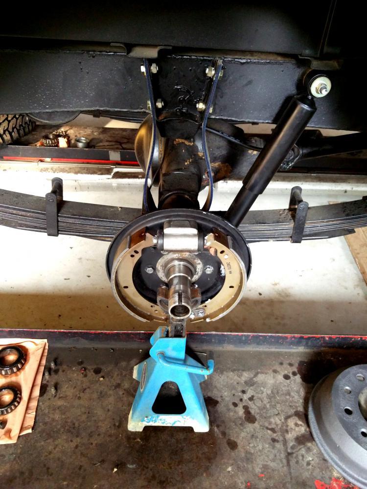 Click image for larger version  Name:1978 LR LHD Santana 88 Hardtop rear axle hub and brakes right.jpg Views:135 Size:114.4 KB ID:289977