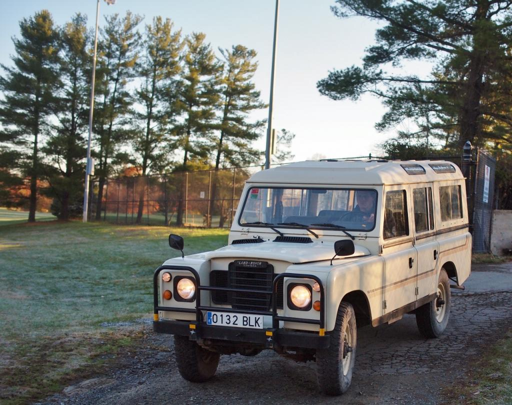 Click image for larger version  Name:1982 Land Rover 109 Series III - (4).jpg Views:90 Size:149.3 KB ID:135828