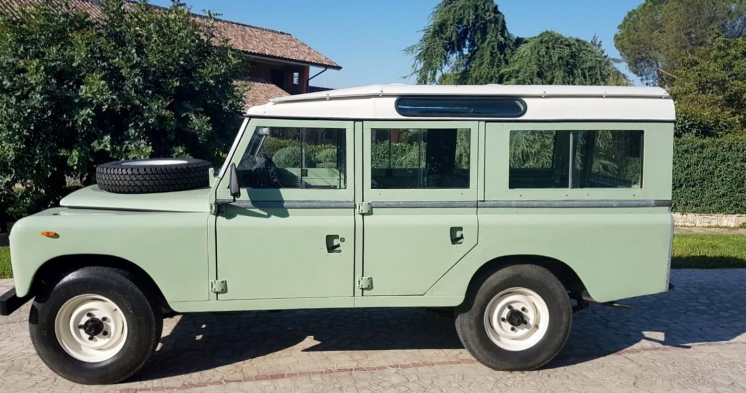 Click image for larger version  Name:1982-land-rover-series-3-109-station-wagon-second daily classic auction (4).jpg Views:17 Size:164.1 KB ID:318017