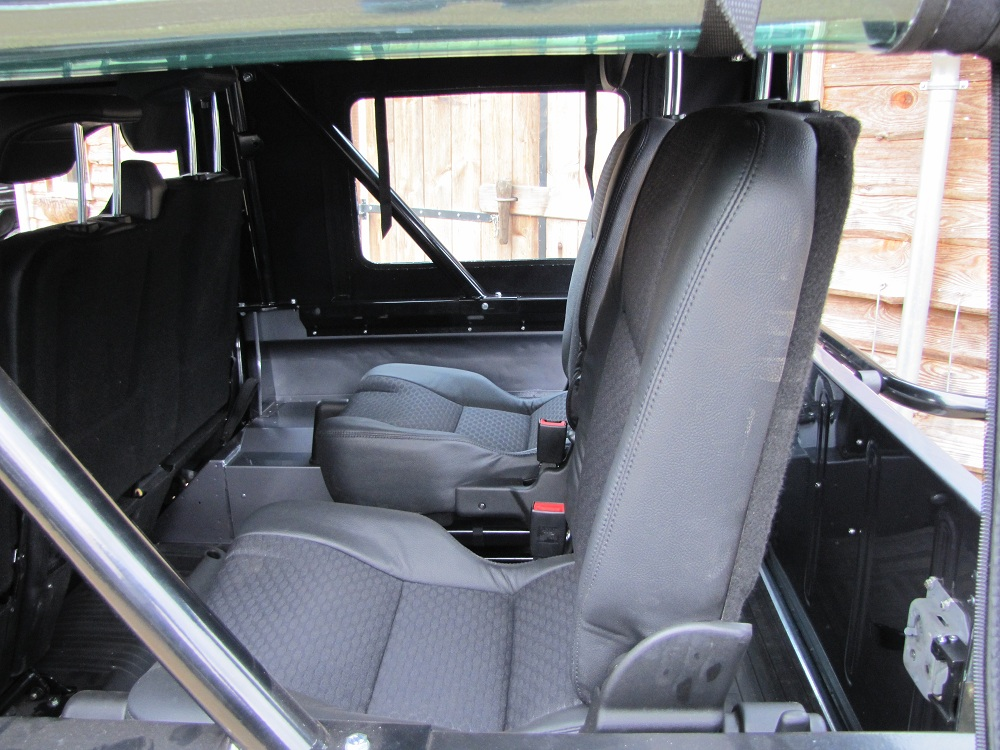 Click image for larger version  Name:1983 LR 110 Soft Top Orkney grey 300 tdi 3rd row seat.jpg Views:435 Size:263.4 KB ID:68711