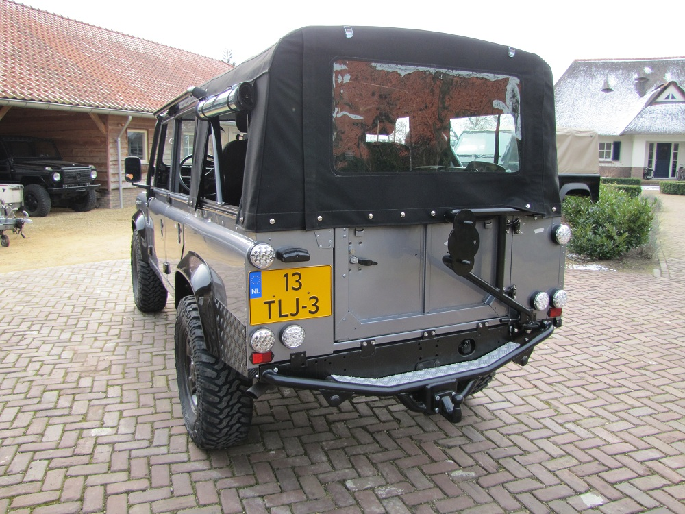 Click image for larger version  Name:1983 LR 110 Soft Top Orkney grey 300 tdi rear.jpg Views:1488 Size:311.8 KB ID:68590