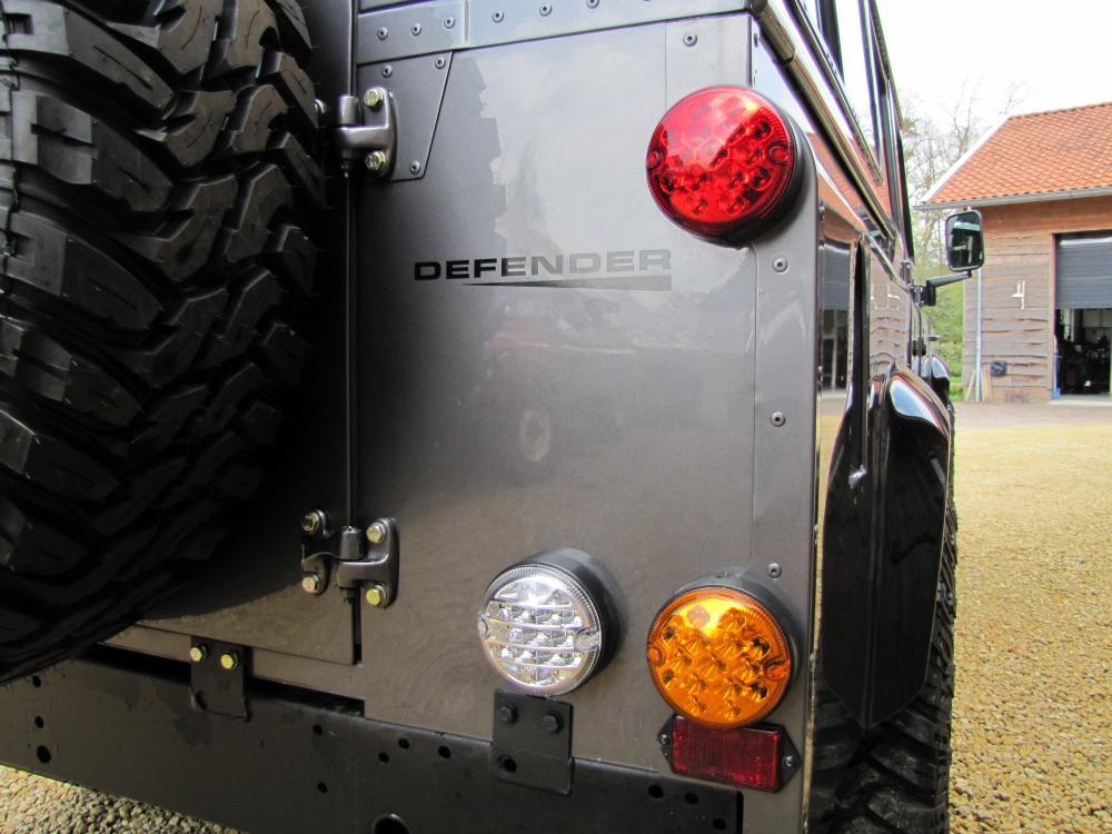 Click image for larger version  Name:1984 Defender 110 SW Fr Tdi Bonatti ready LED tails.jpg Views:178 Size:95.8 KB ID:50764
