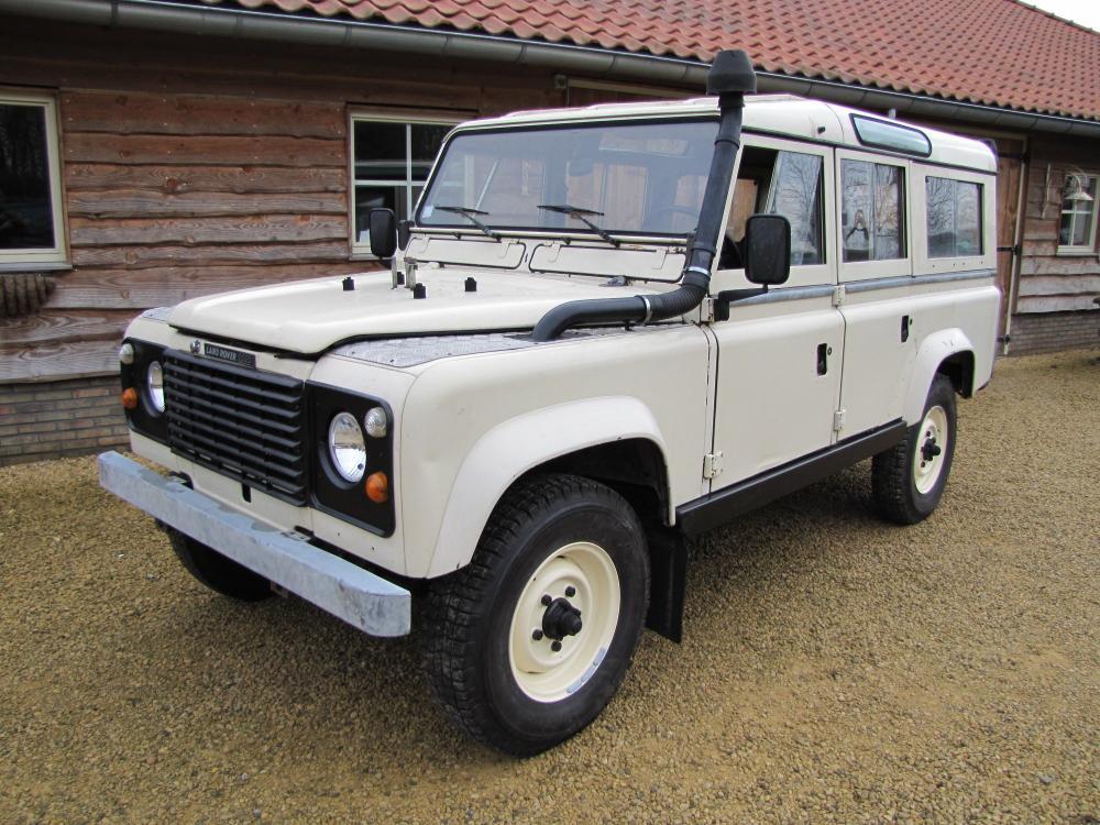 Click image for larger version  Name:1984 Defender 110 SW Fr V8 white left front.jpg Views:977 Size:138.1 KB ID:47628