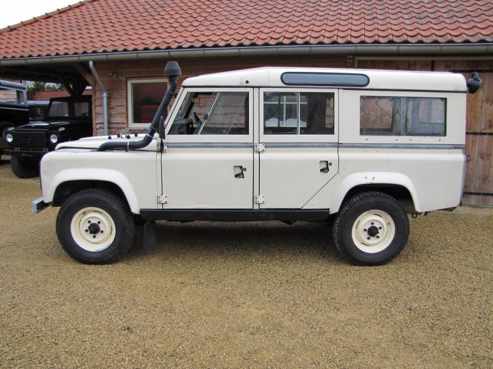 Click image for larger version  Name:1984 Defender 110 SW Fr V8 white left side.jpg Views:644 Size:138.3 KB ID:47629