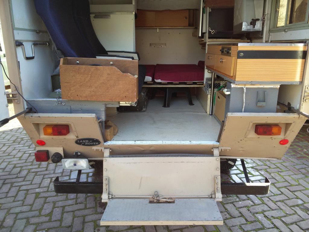 Click image for larger version  Name:1984 LR LHD Defender 110 3.5V8 Camper inside rear.jpg Views:385 Size:103.5 KB ID:185282