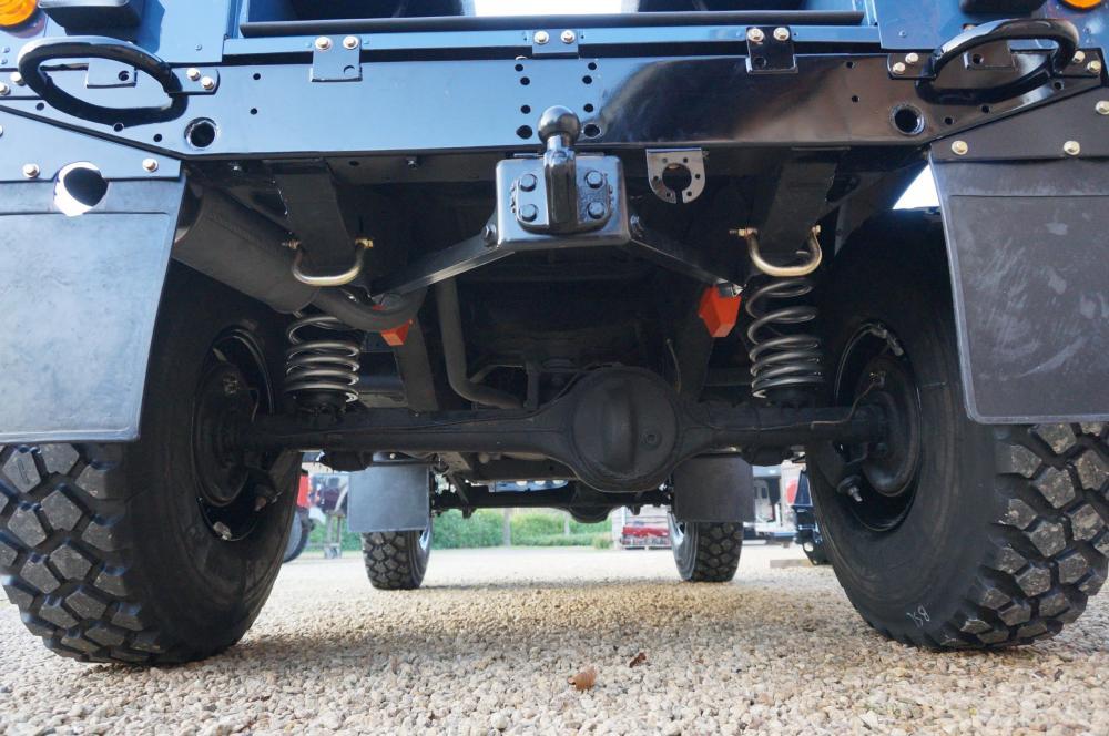 Click image for larger version  Name:1985 Defender 90 RHD 2.5 D Arles Blue building day 9  rear suspension center 900 x 16.jpg Views:910 Size:104.9 KB ID:91406