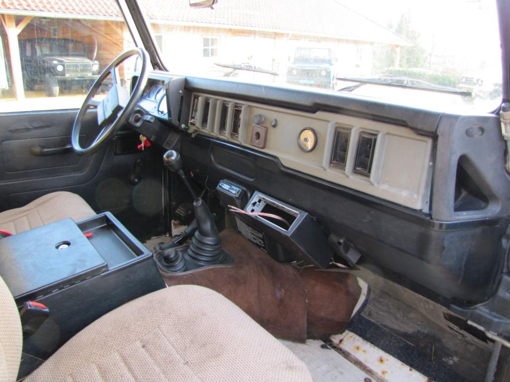 Click image for larger version  Name:1985 Landrover 110 Tdi ex-Saudie White dash and trim right.jpg Views:2294 Size:96.6 KB ID:36332