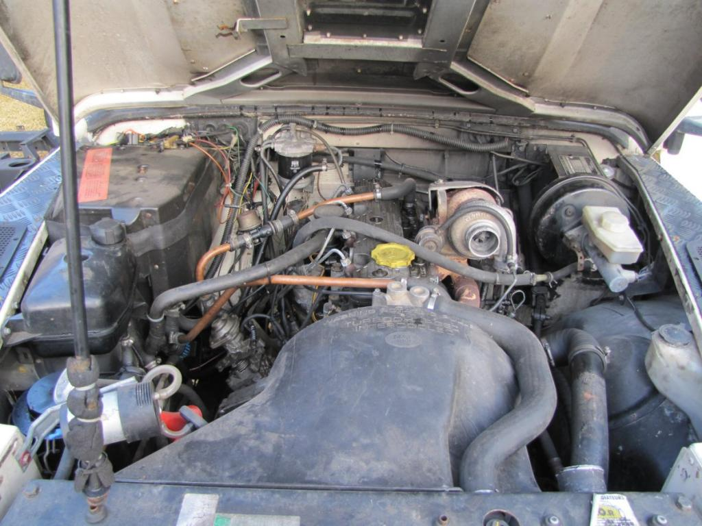 Click image for larger version  Name:1985 Landrover 110 Tdi ex-Saudie White engine.jpg Views:541 Size:113.2 KB ID:36327
