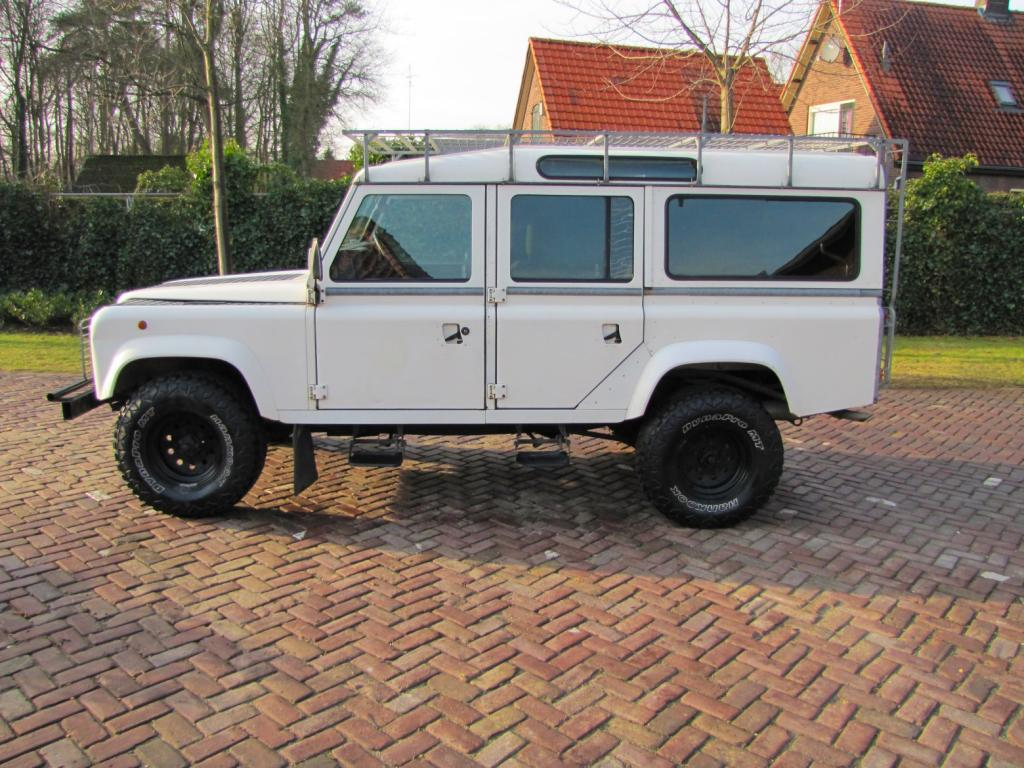 Click image for larger version  Name:1985 Landrover 110 Tdi ex-Saudie White left side.jpg Views:515 Size:141.6 KB ID:36325