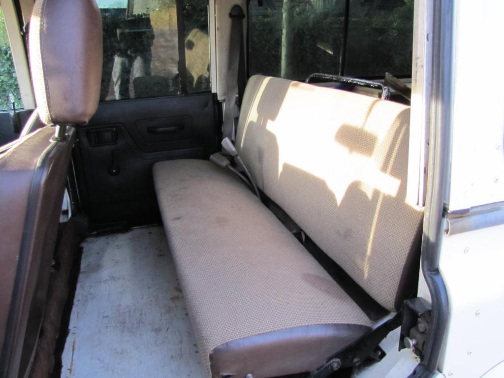 Click image for larger version  Name:1985 Landrover 110 Tdi ex-Saudie White rear seat.jpg Views:429 Size:80.9 KB ID:36331