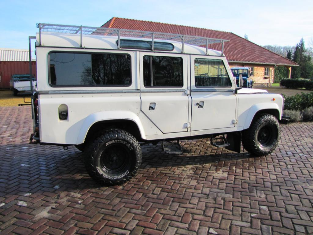 Click image for larger version  Name:1985 Landrover 110 Tdi ex-Saudie White right side.jpg Views:526 Size:119.6 KB ID:36333