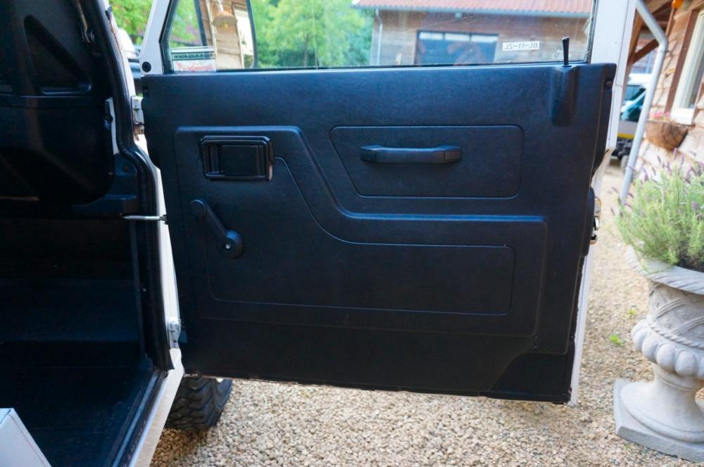 Click image for larger version  Name:1985 Landrover 90 LHD White 2.5 NA diesel door trim.jpg Views:256 Size:80.0 KB ID:95390