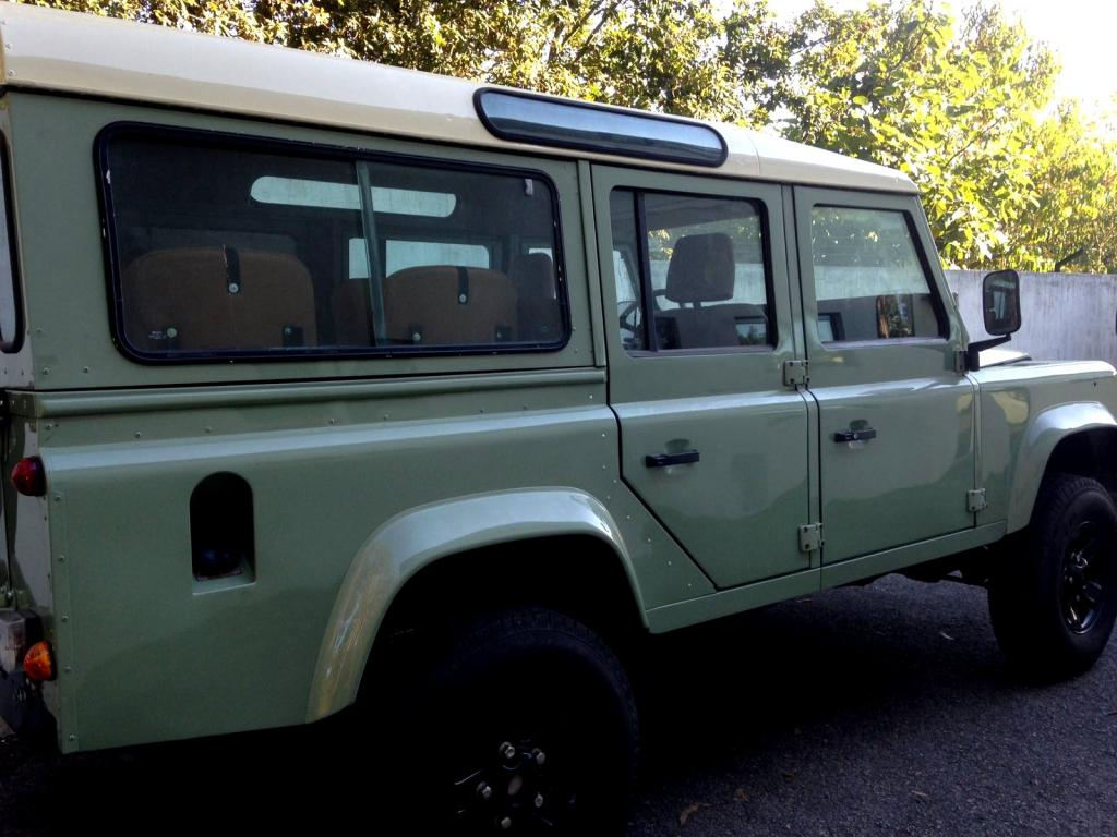 Click image for larger version  Name:1985 LR LHD 110 2.5 NA Grasmere Green ready right rear.jpg Views:93 Size:106.0 KB ID:160418