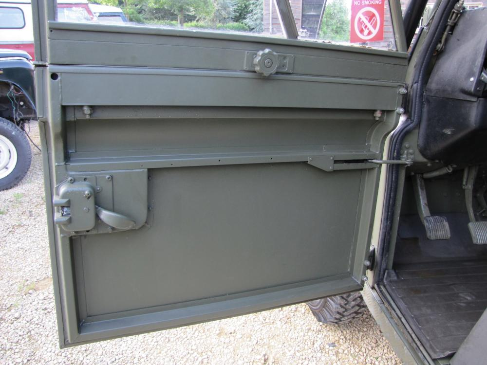 Click image for larger version  Name:1986 Landrover 110 hardtop MOD rebuild 2 front door inside.jpg Views:208 Size:91.6 KB ID:97921
