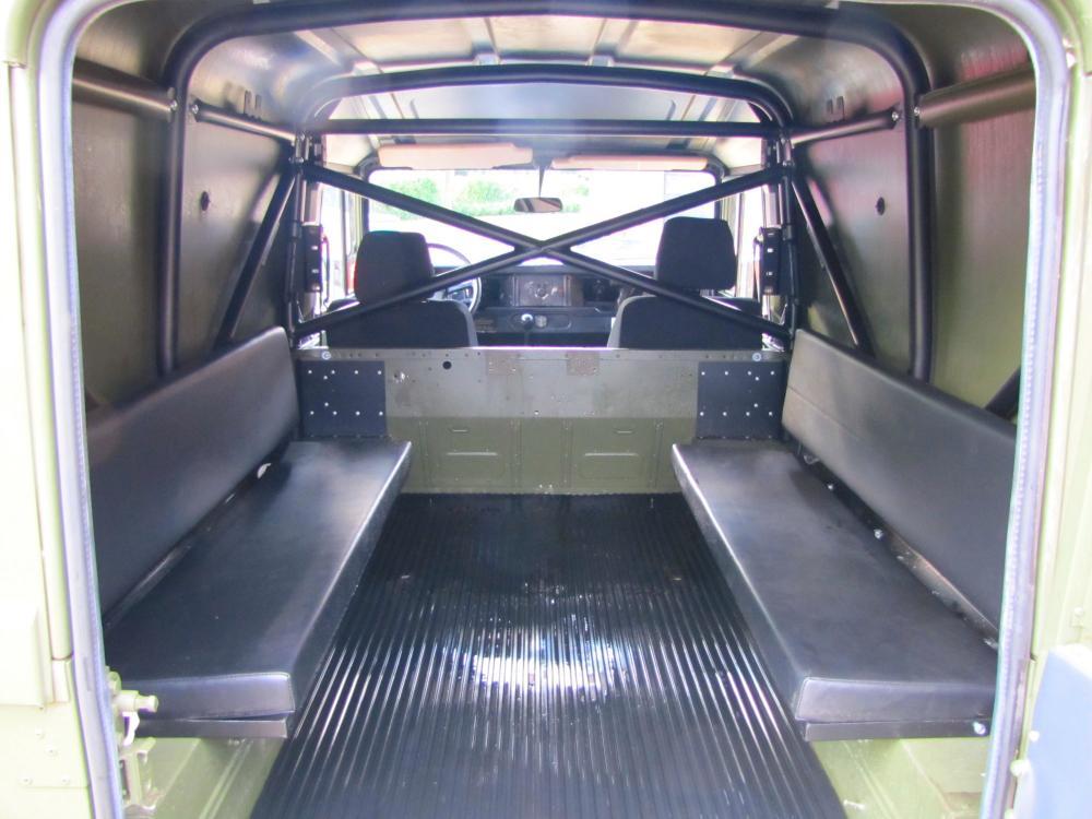 Click image for larger version  Name:1986 Landrover 110 hardtop MOD rebuild 2 rear 6 seater.jpg Views:2029 Size:88.1 KB ID:55660