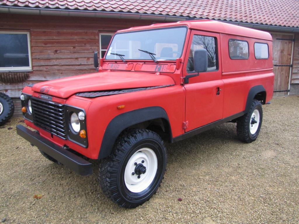 Click image for larger version  Name:1986 Landrover 110 Hardtop Red ex FR left front.jpg Views:492 Size:131.8 KB ID:44358