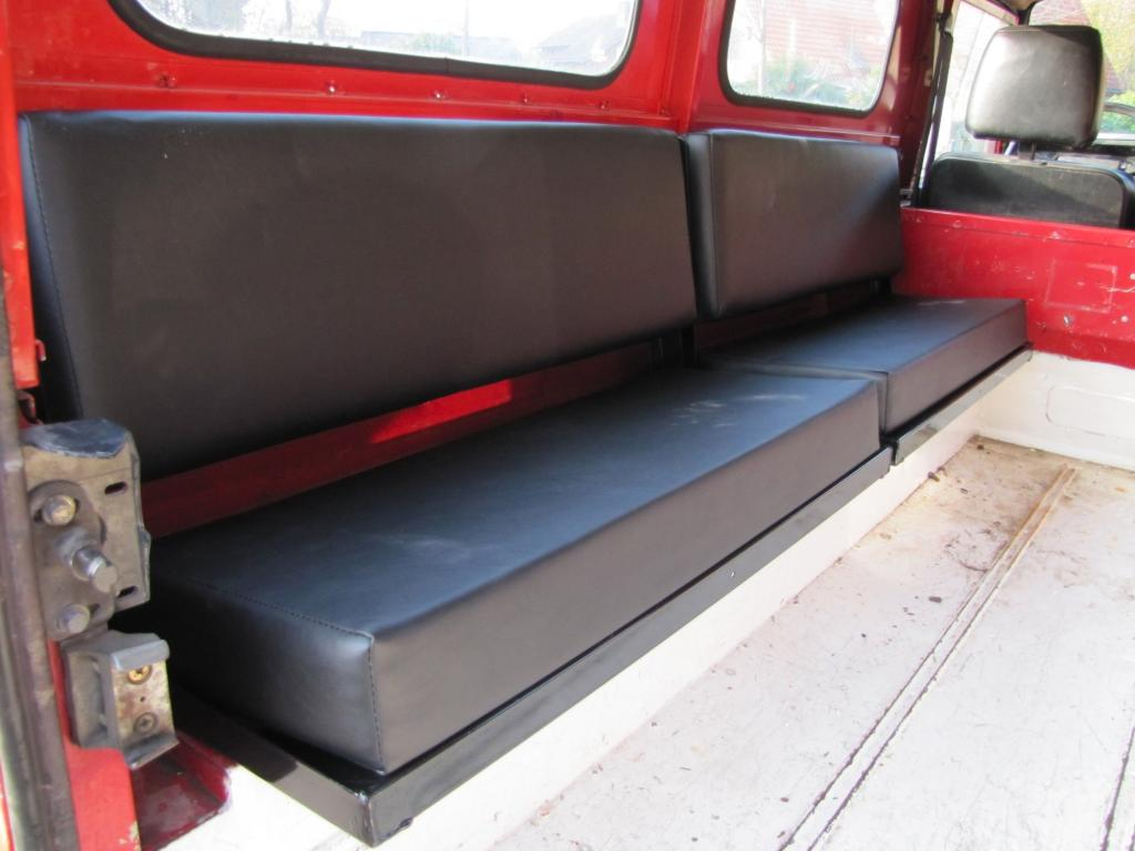 Click image for larger version  Name:1986 Landrover 110 Hardtop Red ex Fr rear bench seats.jpg Views:615 Size:67.1 KB ID:44361