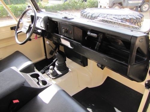 Click image for larger version  Name:1986 Landrover 90 LHD Ivory Black 2.5 diesel dash and trim right sml.jpg Views:591 Size:42.8 KB ID:38002