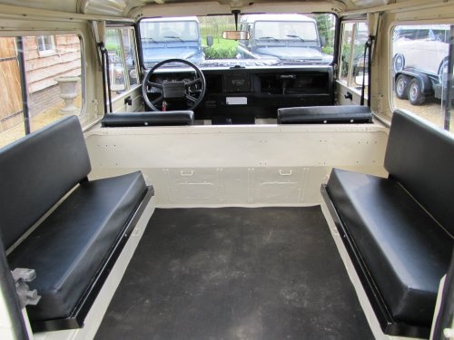 Click image for larger version  Name:1986 Landrover 90 LHD Ivory Black 2.5 diesel rear trim sml.jpg Views:454 Size:40.8 KB ID:38005