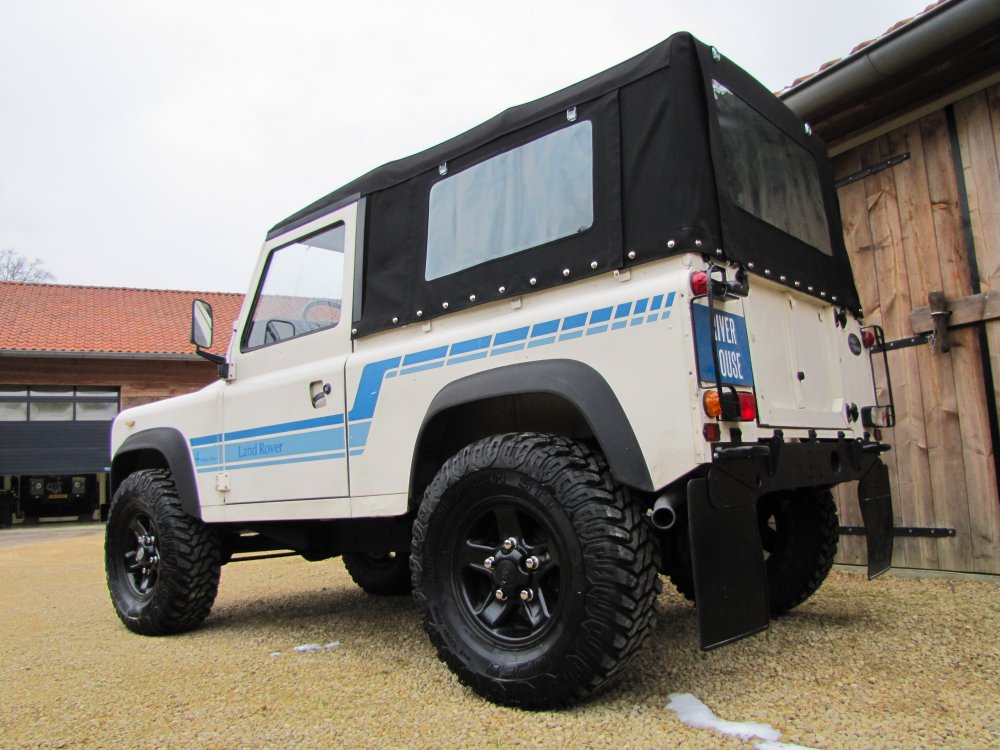 Click image for larger version  Name:1986 Landrover 90 LHD White Soft top Big Wheels 2.5 D C left rear.jpg Views:189 Size:133.0 KB ID:73932