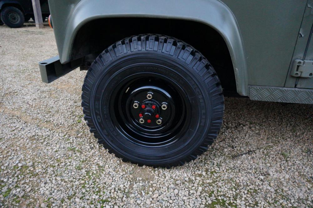 Click image for larger version  Name:1986 LHD 110 Tithonus Hardtop 6 A black rims Michelin.jpg Views:315 Size:127.3 KB ID:102104