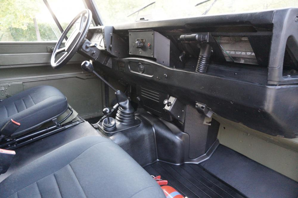 Click image for larger version  Name:1986 LHD 110 Tithonus Hardtop 6 B dash and trim.jpg Views:569 Size:80.9 KB ID:103096