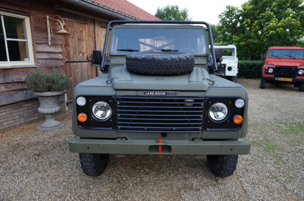 Click image for larger version  Name:1986 LHD 110 Tithonus SOFT TOP 9 front A.jpg Views:330 Size:124.2 KB ID:102094