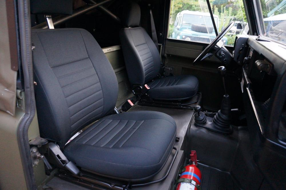 Click image for larger version  Name:1986 LHD 110 Tithonus SOFT TOP 9 front seats Black Outlast A.jpg Views:398 Size:74.6 KB ID:102089