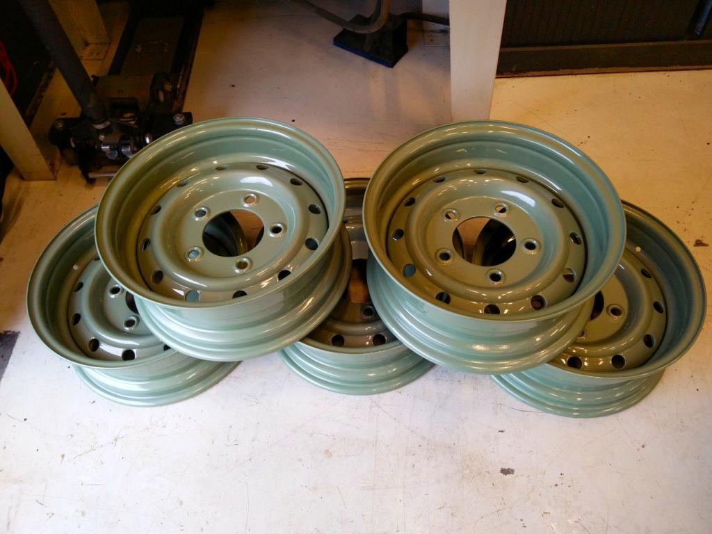 Click image for larger version  Name:1986 LR 110 LHD 5 dr Grasmere Green okt. 2016 wheels.jpg Views:100 Size:88.0 KB ID:160422
