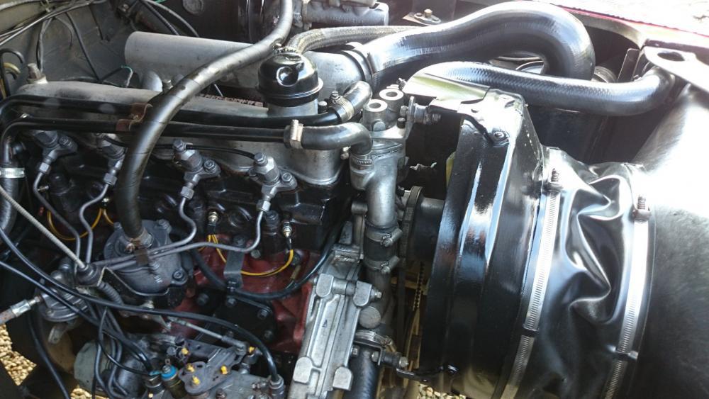 Click image for larger version  Name:1986 LR Defender 90 Soft Top Red 2.5 NA engine bay.jpg Views:409 Size:91.3 KB ID:122478