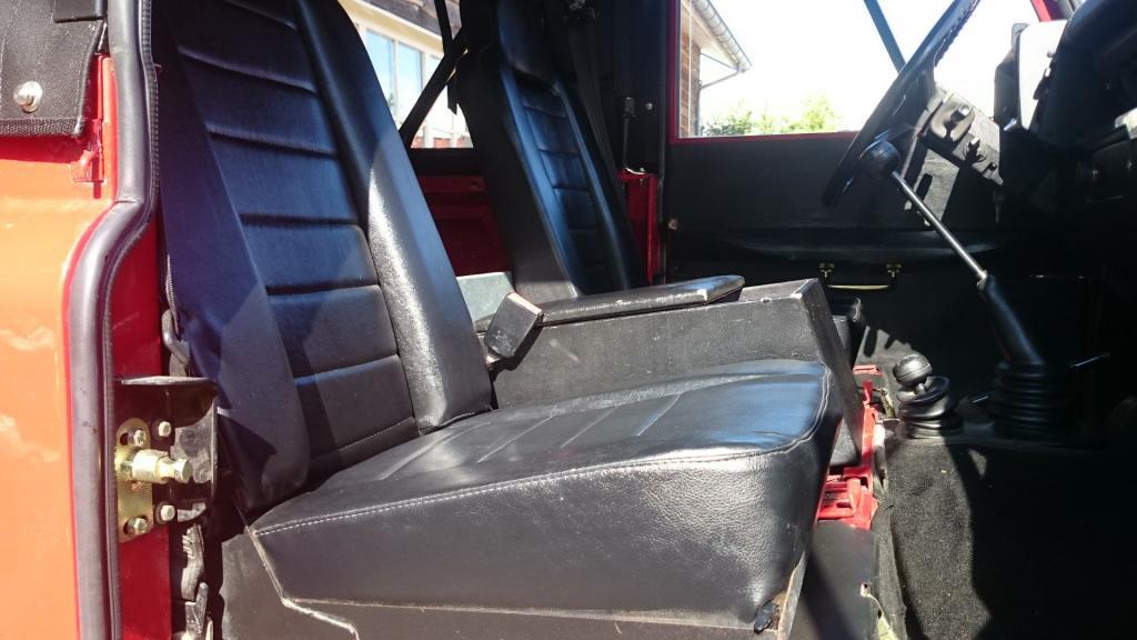 Click image for larger version  Name:1986 LR Defender 90 Soft Top Red 2.5 NA interior seat base.jpg Views:204 Size:75.1 KB ID:127609