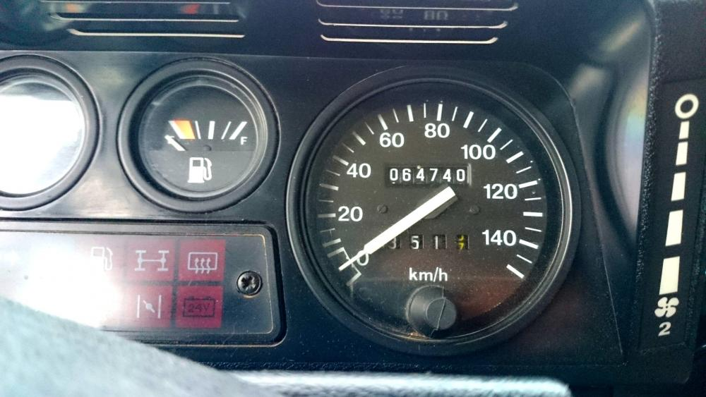 Click image for larger version  Name:1986 LR LHD 90 Soft Top Whtie 3 speedo.jpg Views:230 Size:77.2 KB ID:112219