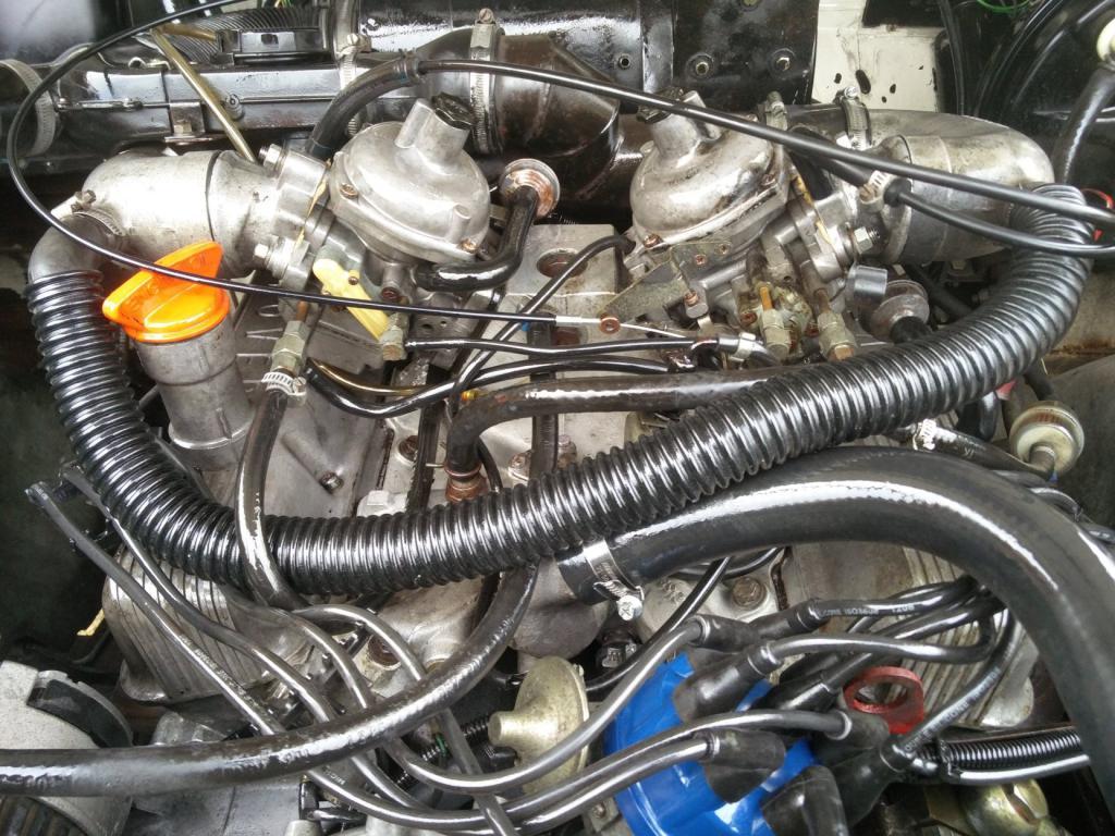 Click image for larger version  Name:1986 LR LHD Def 110 3.5 V8 White engine close.jpg Views:233 Size:152.5 KB ID:193305