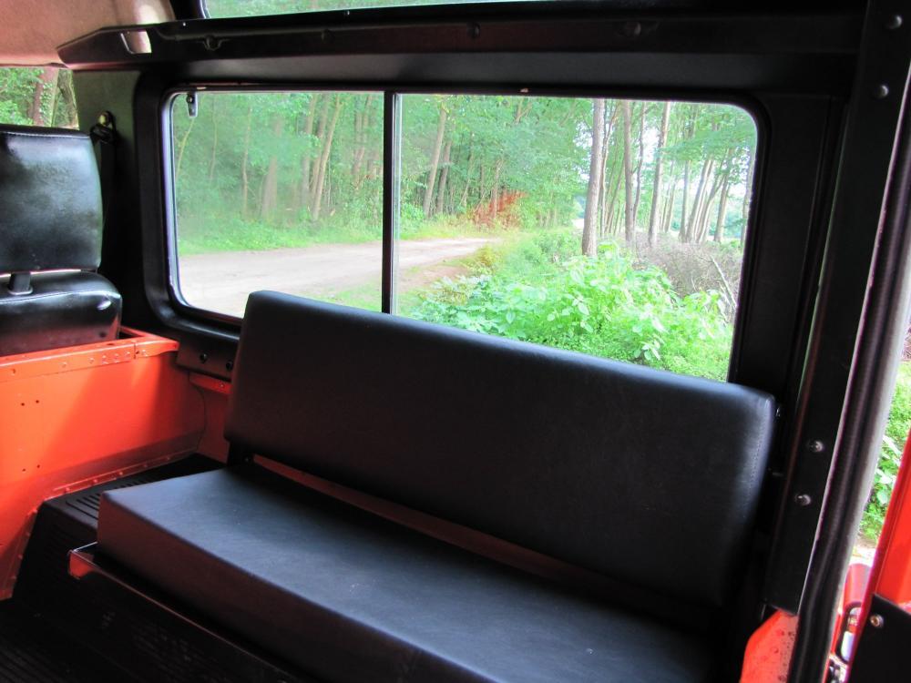 Click image for larger version  Name:1987 Landrover Defender 90 G 4 Orange ready bench seats.jpg Views:436 Size:83.5 KB ID:53152