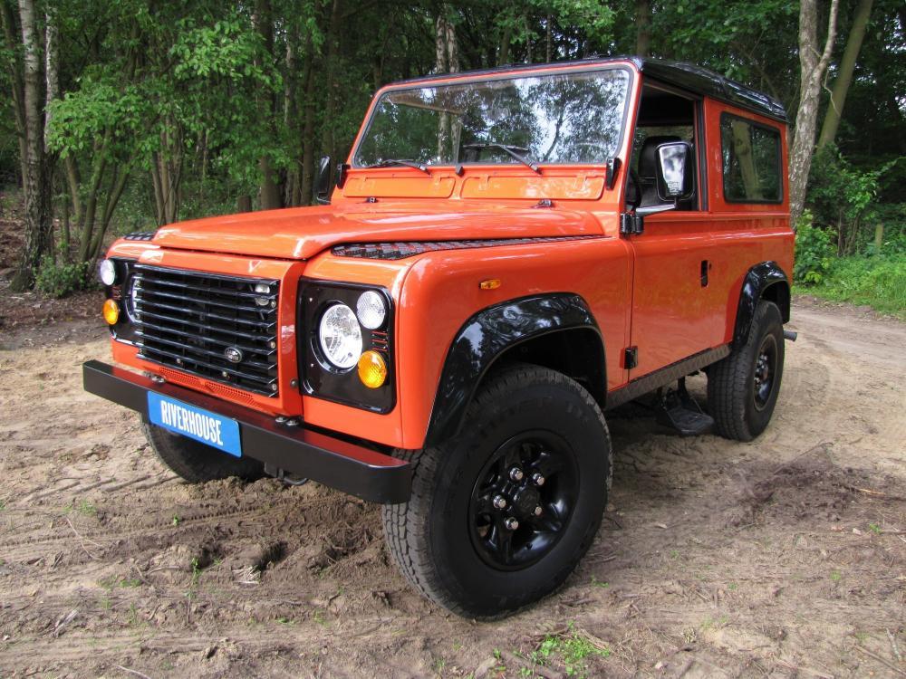 Click image for larger version  Name:1987 Landrover Defender 90 G 4 Orange ready left front low.jpg Views:951 Size:159.3 KB ID:53166