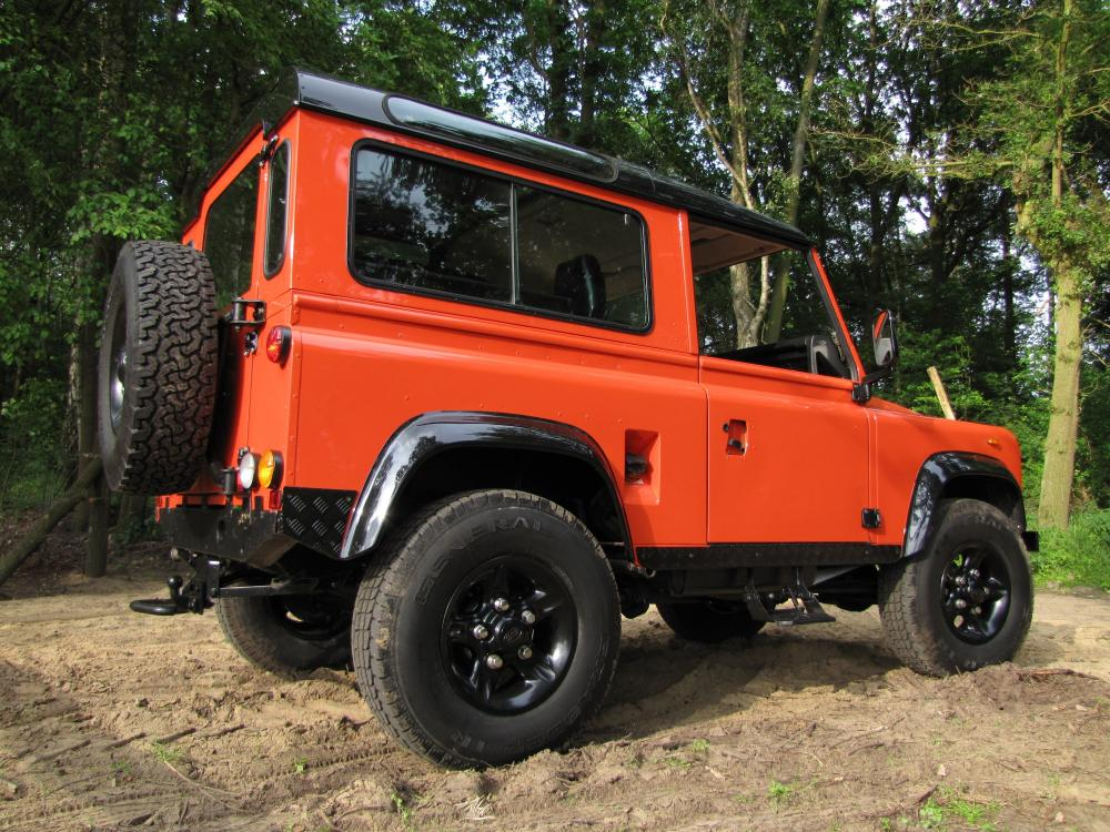 Click image for larger version  Name:1987 Landrover Defender 90 G 4 Orange ready right rear low.jpg Views:1995 Size:161.6 KB ID:53150