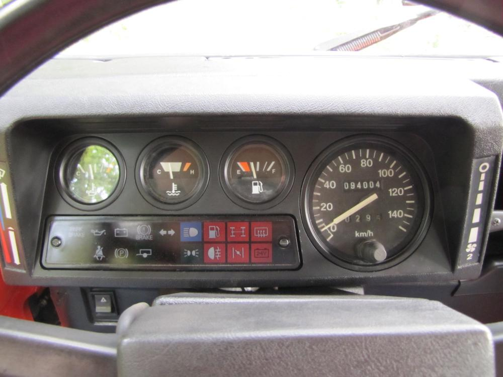 Click image for larger version  Name:1987 Landrover Defender 90 G 4 Orange ready speedo.jpg Views:371 Size:75.3 KB ID:53155