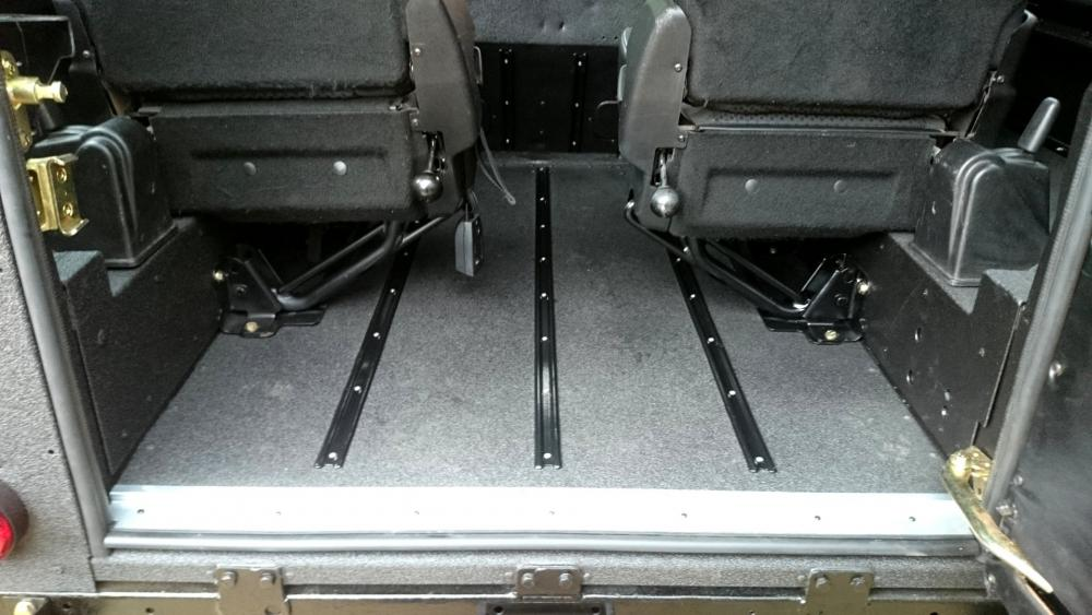 Click image for larger version  Name:1987 LR LHD 90 2.5 NA Diesel Line X A loadfloor with tdci jump seats.jpg Views:687 Size:82.1 KB ID:123235