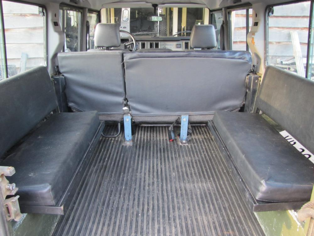 Click image for larger version  Name:1988 Defender 110 Saudi 200 tdi AC jump seats.jpg Views:3542 Size:98.0 KB ID:55875