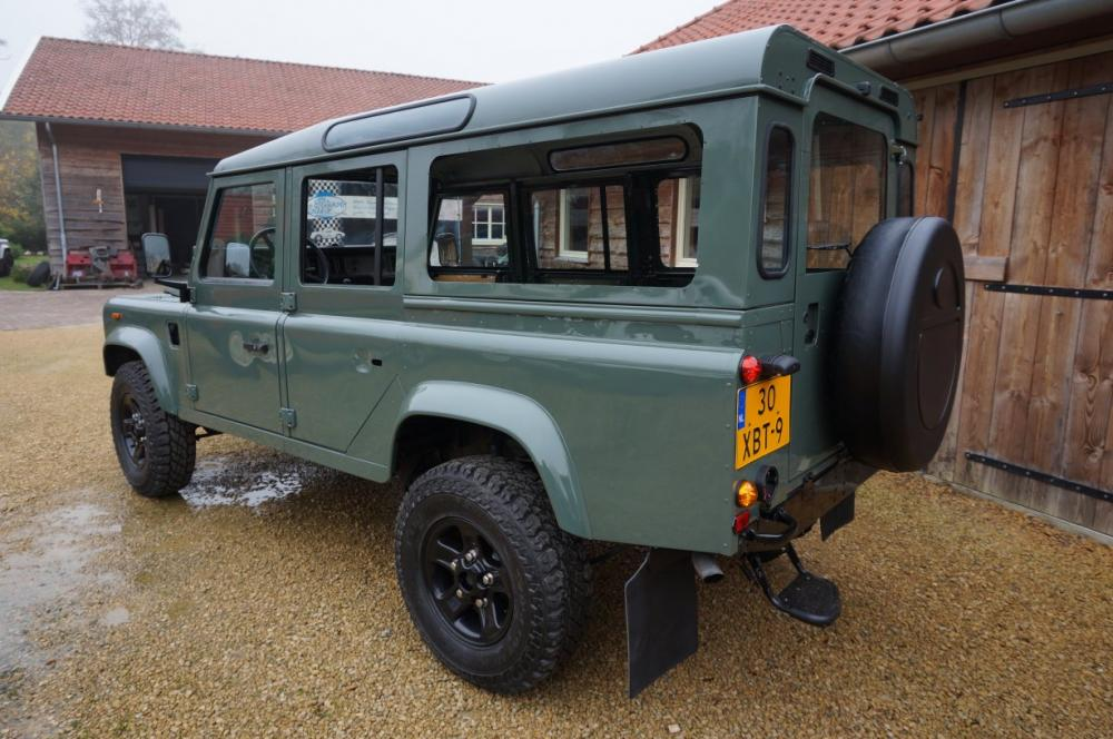 Click image for larger version  Name:1988 Defender 110 Saudi 200 tdi AC painted day 7 Keswick left rear.jpg Views:2700 Size:103.3 KB ID:84490